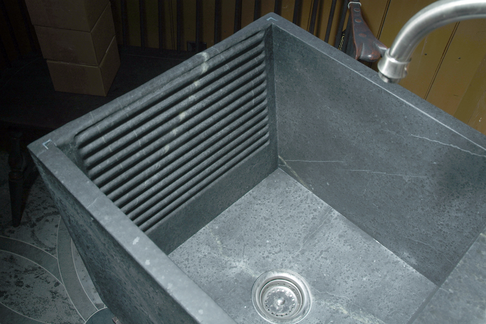 Laundry sink washboard